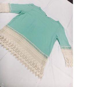 Beautiful dress shirt!🦋